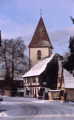 Kirche und Fronhof im Schnee